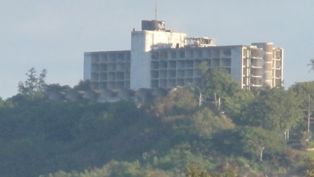 View of the hotel from a distance. Photo: Tito Caraballo