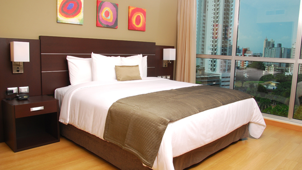 Premium King rooms at the Hotel Tryp Panama Centro are spacious, comfy and have impressive city views.