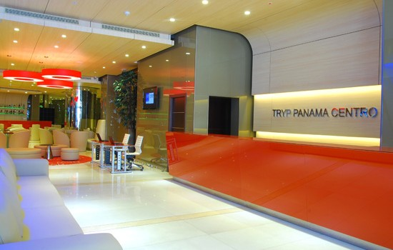 The lobby of the Hotel Tryp Panama Centro is clean and contemporary.