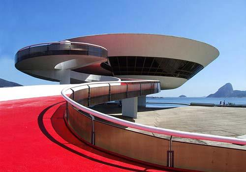 Contemporary Art Museum in Niteroi, Brazil. Photo: Rodrigo Soldon