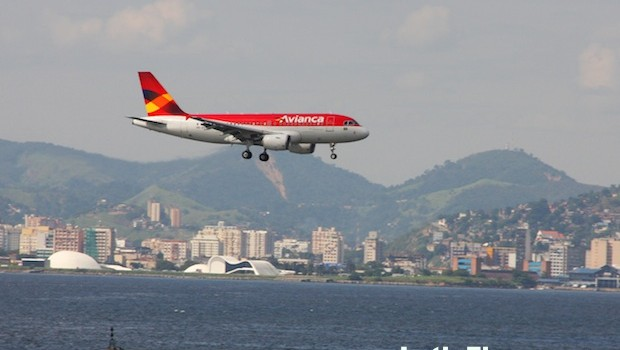 An Avianca Airbus on approach to the domestic Rio de Janeiro airport.