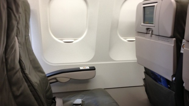 Airline seating on the JetBlue Airbus A320. Photo: LatinFlyer.com