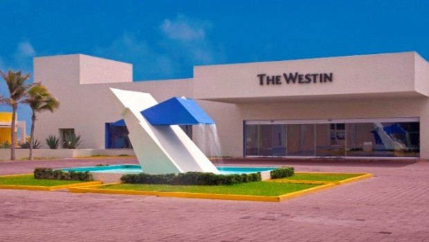 The Westin Resort & Spa, Cancun was designed by one of Mexico's most famous architects.