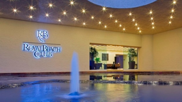 Separate entrance for the Royal Beach Club at Westin Resort & Spa, Cancun.