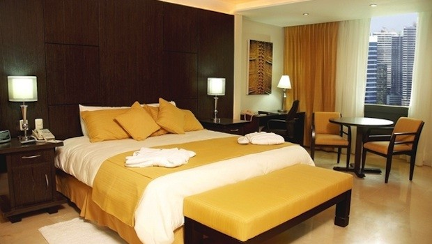 Executive floor rooms at El Panama hotel are spacious and comfy.