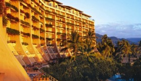 Mexico beach view: The Fiesta Americana Puerto Vallarta hotel.