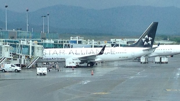Copa Airlines Boeing 737 in Star Alliance livery.