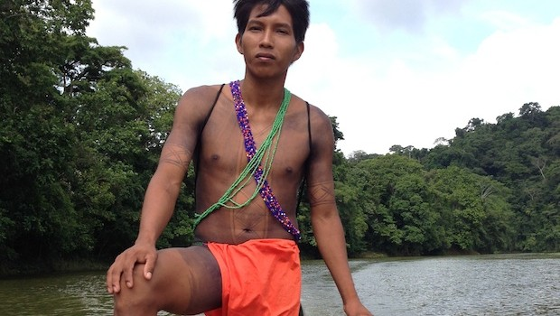 The pilot of our canoe was a member of the indigenous Embera community.