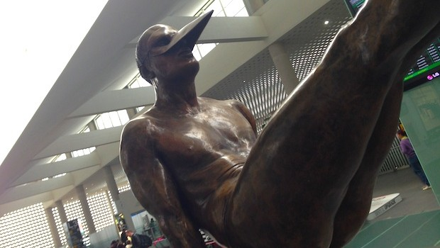 """Equilibrista 90 Monumental"" sculpture by Jorge Marin at Mexico City airport."