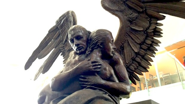 """Abrazo Monumental"" sculpture by Jorge Marin at Mexico City airport."