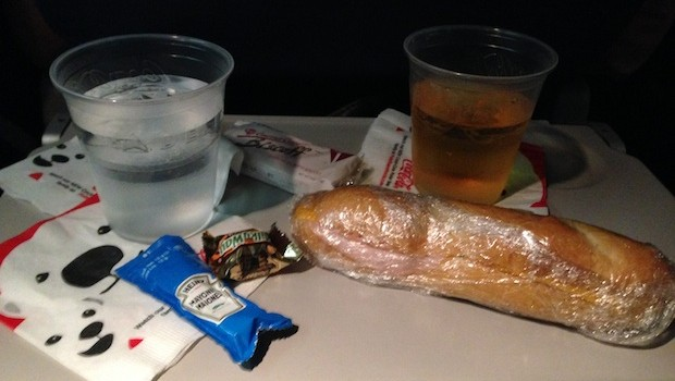 Airline meals: Free airline food on Delta Air Lines Boeing 757.