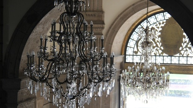 Elaborate chandeliers decorate the Chapultepec Castle.