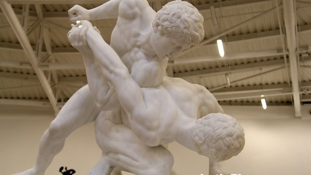 """The Wrestlers,"" by Italian artist Pietro Bazzanti, at Museo Soumaya."
