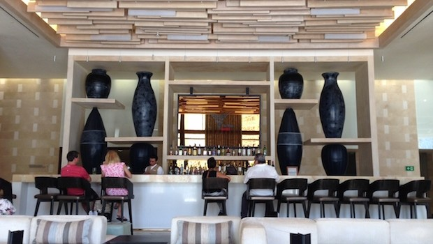 The attractive lobby bar at Secrets The Vine, in Cancun.