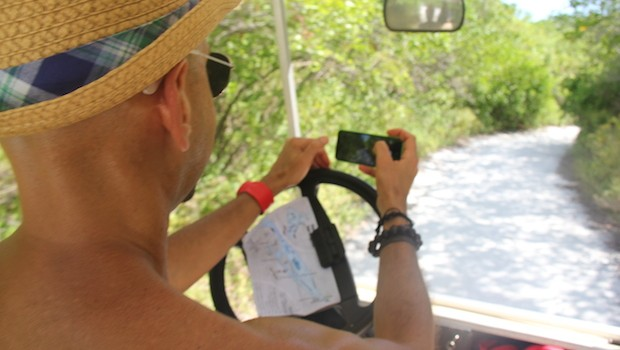 Be careful when taking photos while driving on Isla Mujeres!