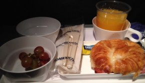 Food glorious airline food: Some airlines still serve it for free!