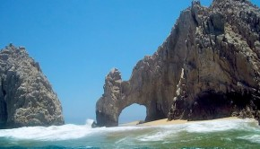 The famed arch in Los Cabos. Photo: Marrovi