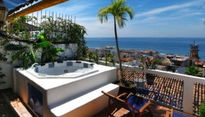 Luna Liquida hotel in Puerto Vallarta is offering special summer deals.
