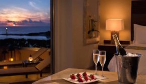 Grand Fiesta Americana Coral Beach Cancun offers a Valentine vacation deal.