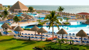 Palace Resorts is offering special all-inclusive Mexico deals.