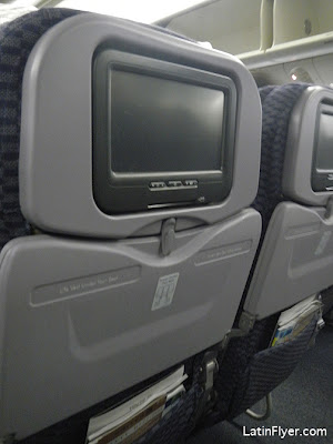 FLIGHT REVIEW: ... United Airlines 777 Interior