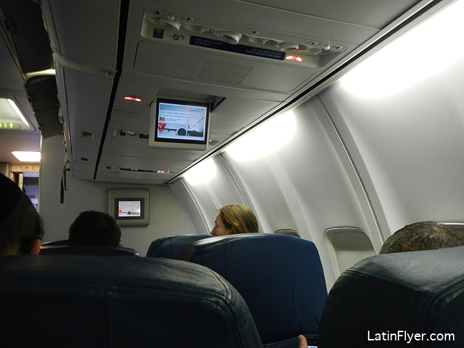Business Class Screen On The Delta Air Lines Boeing 737 800